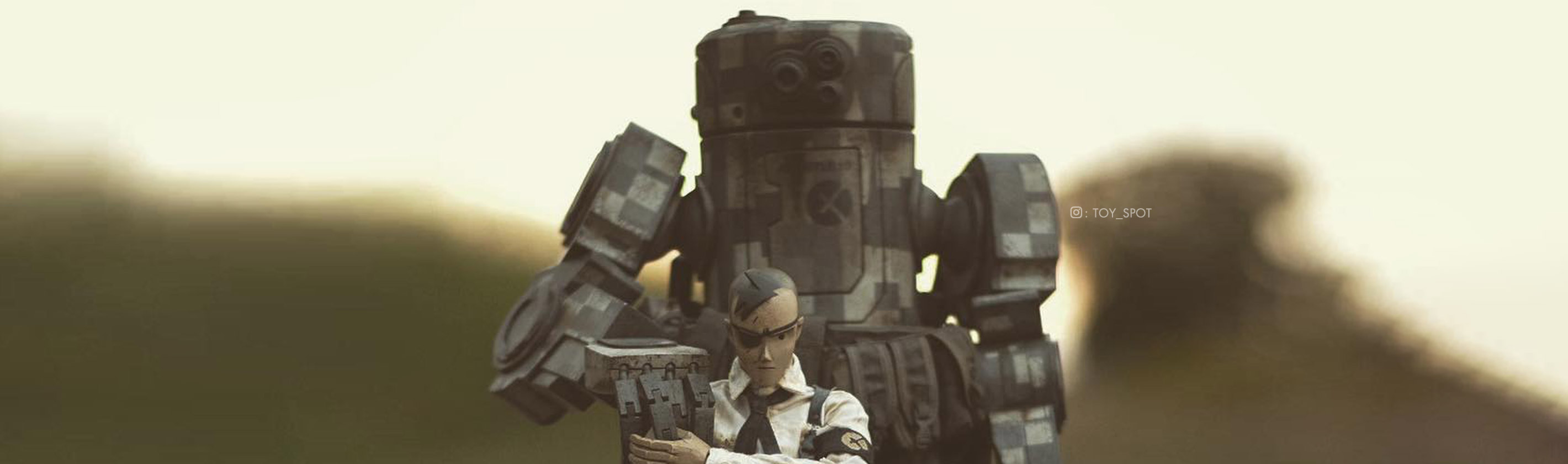 Caesar by Ashley Wood, photo by Toy_Spot via instagram