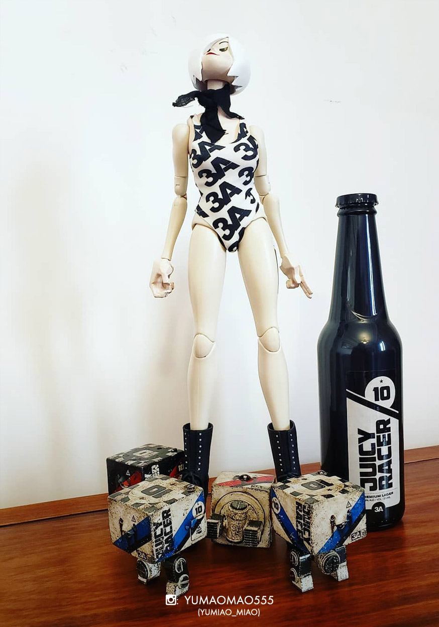 Juicy Race Queen Miyu Chase with Juicy Racer Mini Square plus Juicy Race Lager Bottle