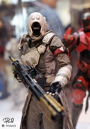 Destiny Warlock Chatterwhite Shader by Ashley Wood, 3A Toys