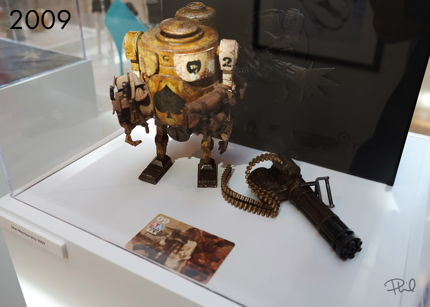 3A Toys | 3AA 2009 Membership pack on display at US Venture, San Diego Comic Con - Sparks Gallery - 2017